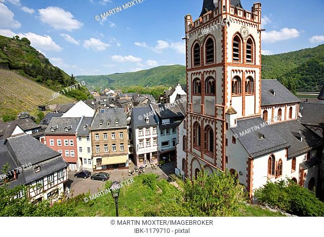 View of the St. Peter's Church in the old town of Bacharch, Unesco World Heritage Upper Middle Rhine Valley, Bacharach, Rhineland Palatinate, Germany, Europe