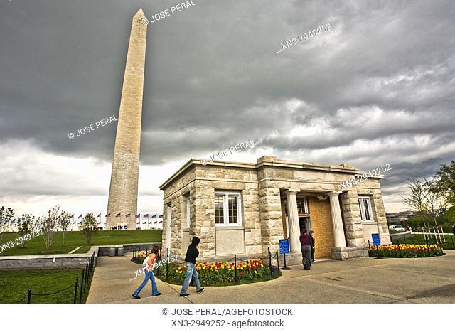 Washington Monument Lodge, Washington Monument obelisk, National Mall, Washington, D.C., United States, USA