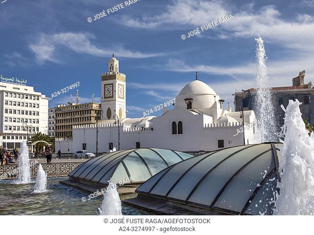 Algeria, Argel City, Martyrs Square, Djemaa El-Djedid Mosque, UNESCO