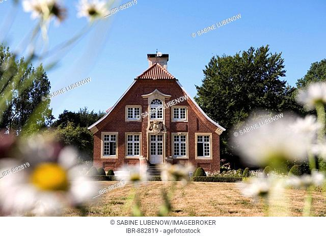 Garden of Haus Rueschhaus, former dwelling of Annette von Droste-Huelshoff, Muenster, North Rhine-Westphalia, Germany, Europe