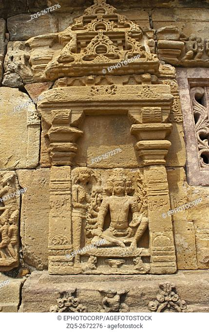 Suppanakhi or Shurpnakha approaching her brother, Ravana. A scene from Ramayana carved on the southern wall, Papanatha temple, Pattadakal temple complex