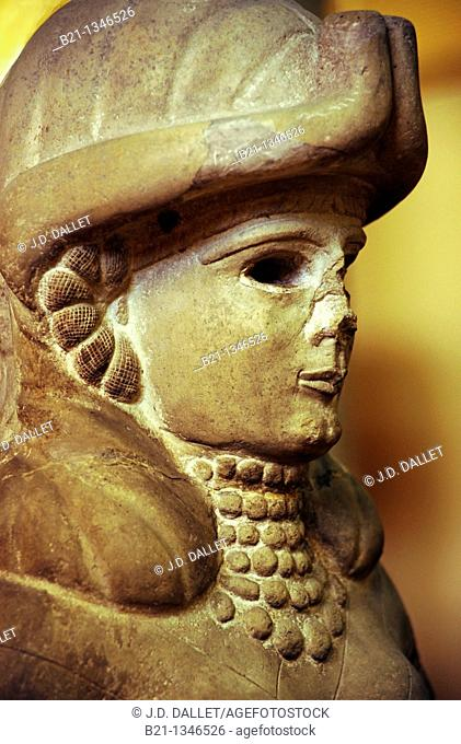 Detail of the statue of the Deese of the Fountain, (Amorite, 18th century BC), Aleppo Museum, Syria