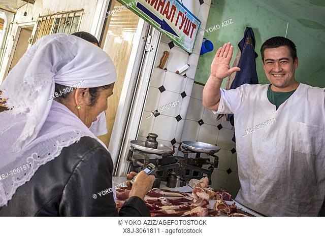 Uzbekistan, surroundings of Bukhara, local market, butcher