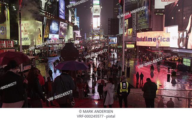 WS TU Time's Square at night / New York City, New York State, USA