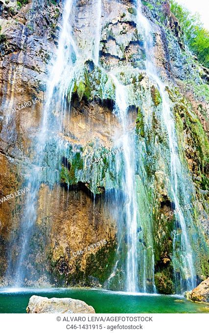 waterfall at the Plitvice Lakes, Plitvice Lakes National Park, Croatia, Europe