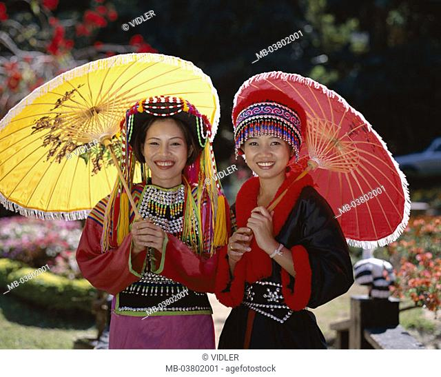 Thailand, golden triangle, Chiang May, Lisu-Stamm, women, Volkstracht,  Parasols, laughing, Halbporträt Asia, southeast Asia, tribe, mountain trunk, Bergvolk