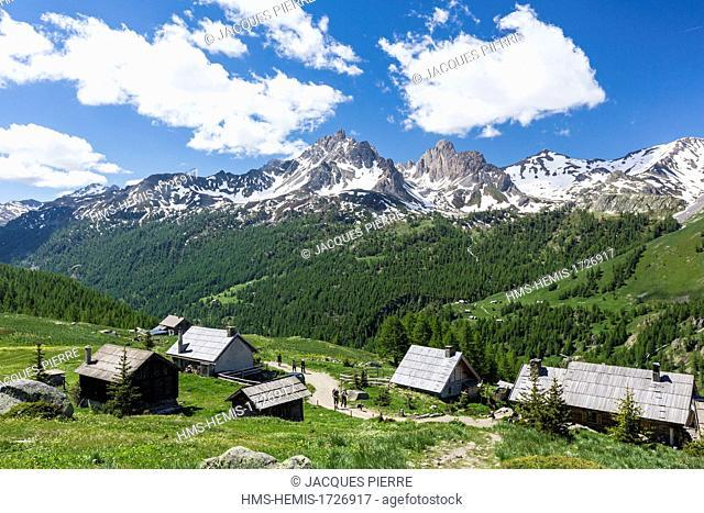 France, Hautes-Alpes, Névache, Clarée valley, refuge and chalets of Ricou