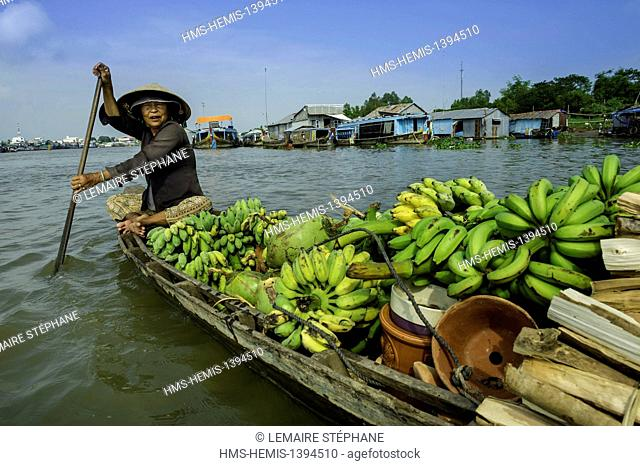 Vietnam, An Giang Province, Mekong Delta region, Chau Doc, floating market on the Mekong delta