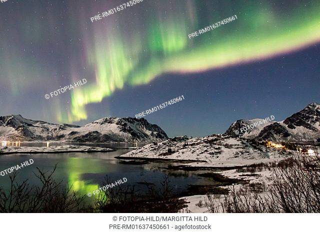Aurora Borealis at Gimsøystraumen, Lofoten, Nordland, Norway, March 2017, Looking from E10 near Lyngværet to west / Aurora borealis über dem Gimsøystraumen