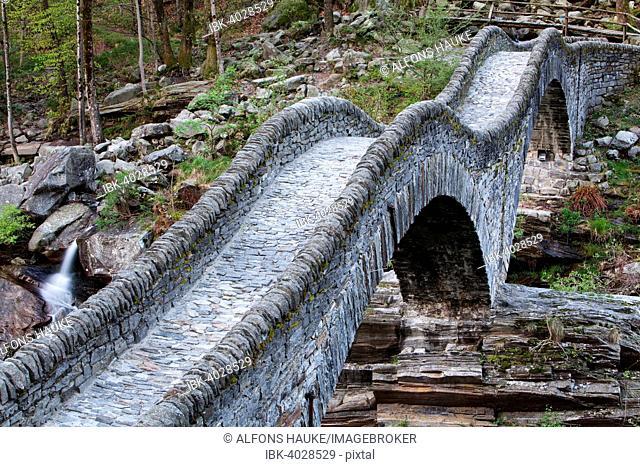 Stone arch bridge Ponte dei Salti, Verzasca River, Lavertezzo, Verzasca Valley, Canton of Ticino, Switzerland