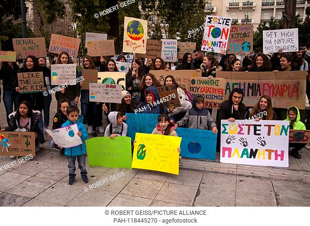 Greek students during rally against climate change. 15.03.2019 | usage worldwide. - Athen/Greece