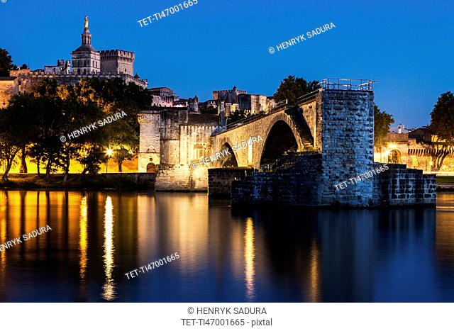 France, Provence-Alpes-Cote d'Azur, Avignon, Old town, embankment in foreground