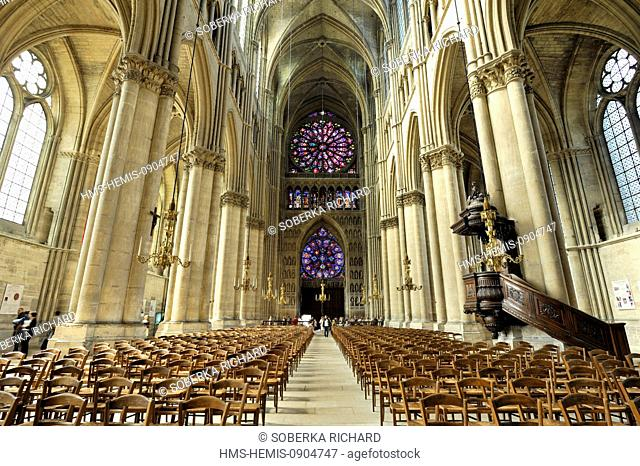 France, Marne, Reims, Notre Dame Cathedral listed as World Heritage by UNESCO, central nave and large rose windows