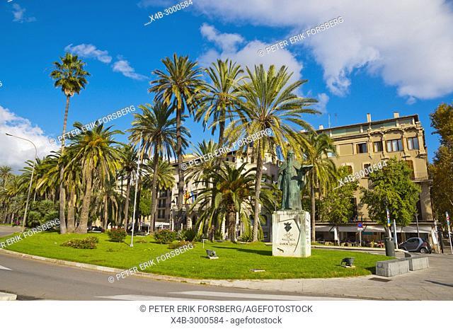 Passeig de Sagrera, with Monument a Ramon Llull, Palma, Mallorca, Balearic islands, Spain