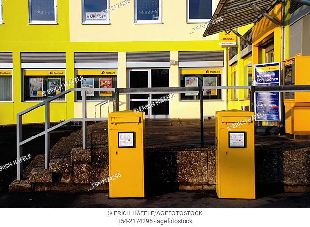 Yellow boxes in front of the post office in Bad Neustadt / Saale