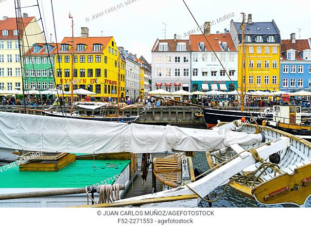 Nyhavn (New Harbour), Copenhagen, Denmark, Europe