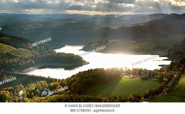 Aerial view, Hennesee Lake, Hennetalsperre reservoir, Meschede, Sauerland area, North Rhine-Westphalia, Germany