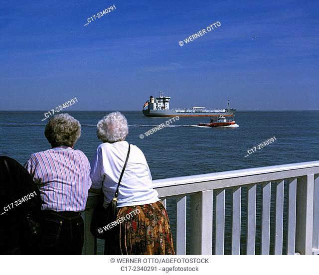 "Germany. Cuxhaven, Elbe, North Sea, Lower Saxony, harbour, """"Alte Liebe"""", harbour bulwark, landing pier, observation platform, tourism, touristic attraction"