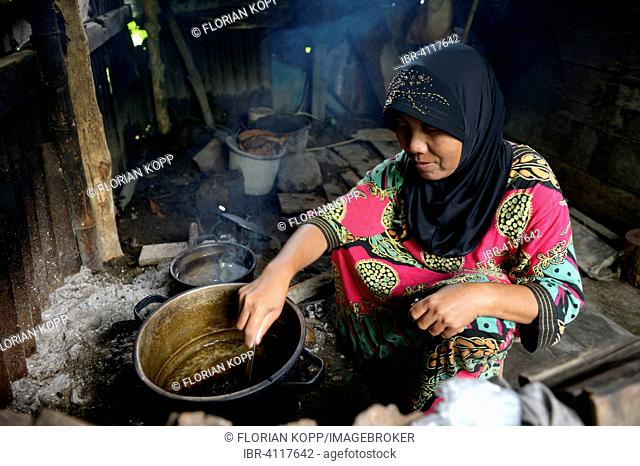 Woman, 51 years, cooking, Awe Kecil, Simeulue, Indonesia