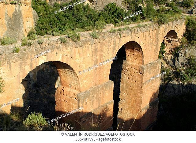 Acueducto Romano de Chelva o Acueducto de la Peña Cortada. Chelva. Puente del Barranco de la Cueva del Gato, municipio de Calles, Provincia de Valencia