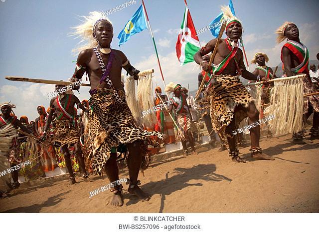 traditional dancers 'Tambourinaires' dancing on the 'Boulevard de l'Indpendace' on Independance Day Juli 1, Burundi, Bujumbura Marie, Bujumbura