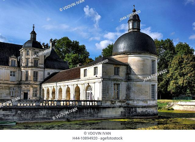 France, French, Western Europe, Europe, European, Architecture, building, Bourgogne, Burgundy, Chateau de Tanlay, Yonne department, castle, Travel