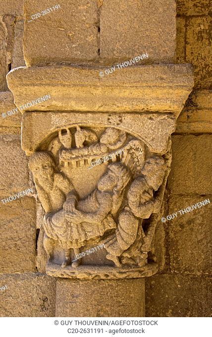 Capital, detail, Saint-Laurent d'Auzon Collegiate church, 12th c. , outside, Auzon, 43, Haute Loire, France