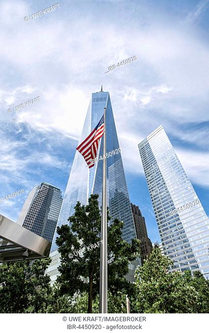 American flag in front of One World Trade Center, WTC, architect David Childs, at Ground Zero, Manhattan, New York City, United States