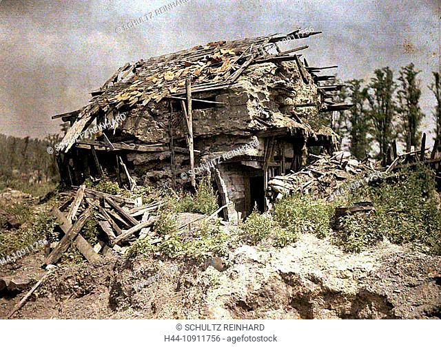 War, Europe, world war I, 1917, Europe, world war, color photo, Autochrome, F. Cuville, western front, barn, position, standpoint, ruins, destruction