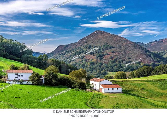 Spain, Basque Country, Navarre, farmhouses in the pastures of Urdax (Way of Saint James, way of Baztan)