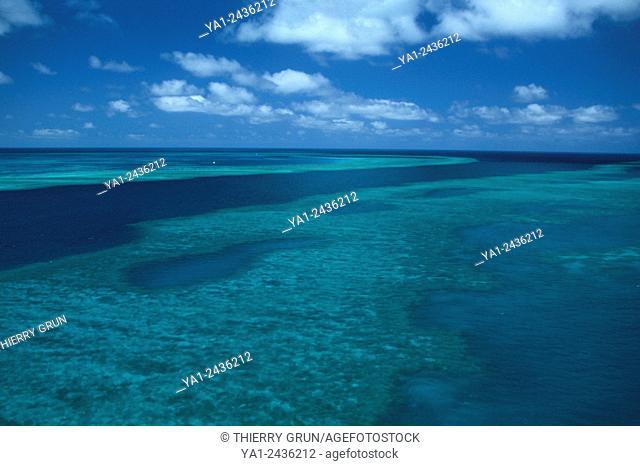 Australia, Queensland, north of Whitsunday islands, Greef barrier reef, Hook reefand back Hardy reef aerial view