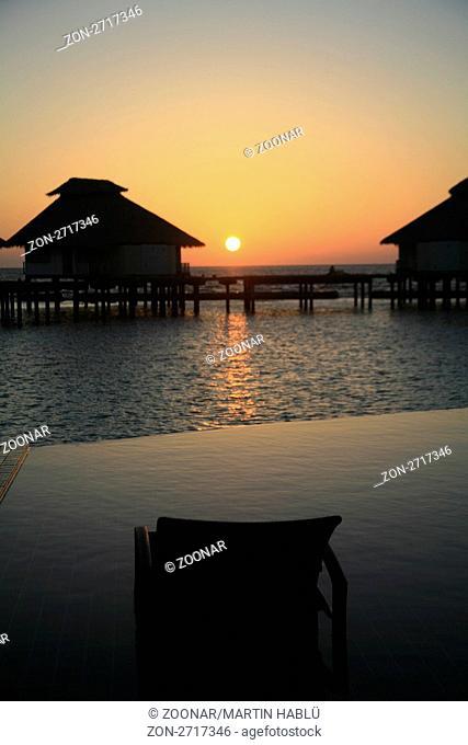 Sonnenuntergang auf der Malediveninsel Ellaidhoo, Ari-Atoll, Malediven, Indischer Ozean, Sunset at the Island Resort Ellaidhoo, Ari-Atoll, Maldives