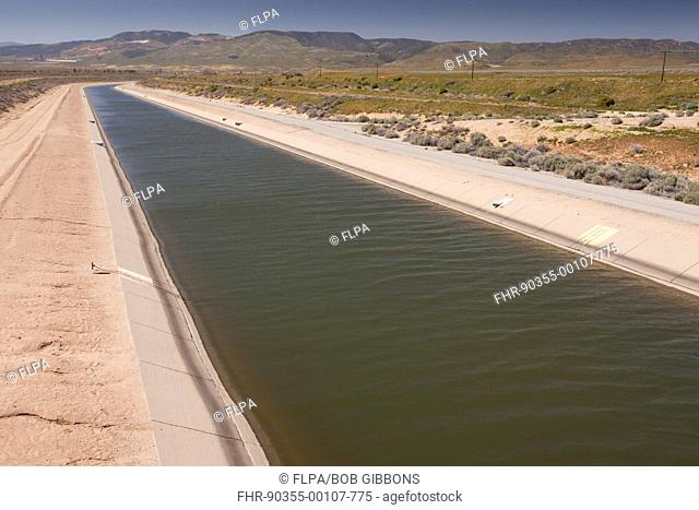 Irrigation canal in desert, California Aqueduct, Antelope Valley, Southern California, U S A