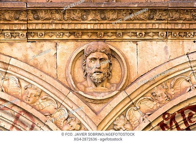 Detalle de la fachada de las Escuelas Menores. Universidad de Salamanca. Castilla-León. España. Europa