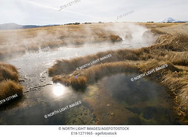 USA, Oregon, Borax Lake hot springs