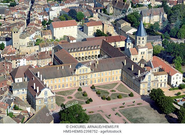 France, Saone et Loire, Cluny, the former benedictine abbey housing the Arts et Metiers school (vue aerienne)