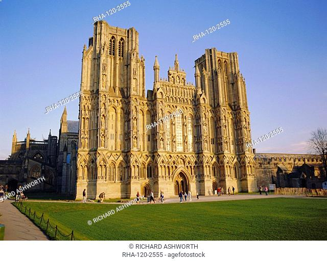 The West Front of the Cathedral, in late autumn sun, Wells, Somerset, England, UK