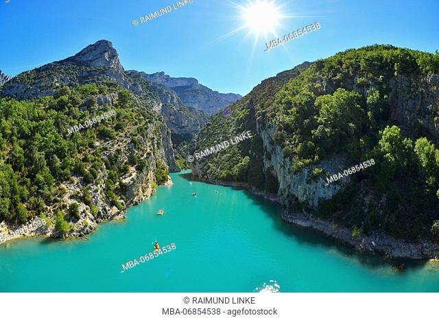 Canyon du verdon in summer with sun, Lake Sainte Croix, Parc Naturel Regional du Verdon, Provence, Alpes de Haute Provence, France