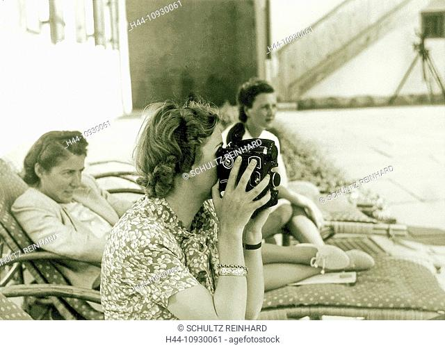 Eva Braun, Braun, camera, wife, mistress, Adolf Hitler, Berghof, Berchtesgaden, Germany, 1942, World War II
