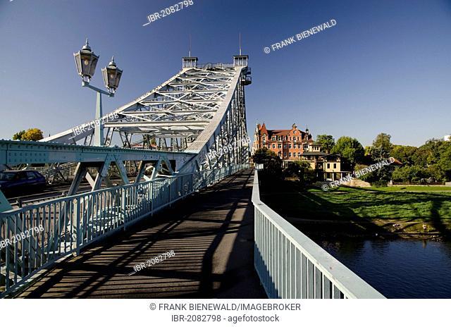 Historical Blaues Wunder or Loschwitz Bridge crossing the river Elbe in the Blasewitz quarter, Dresden, Saxony, Germany, Europe