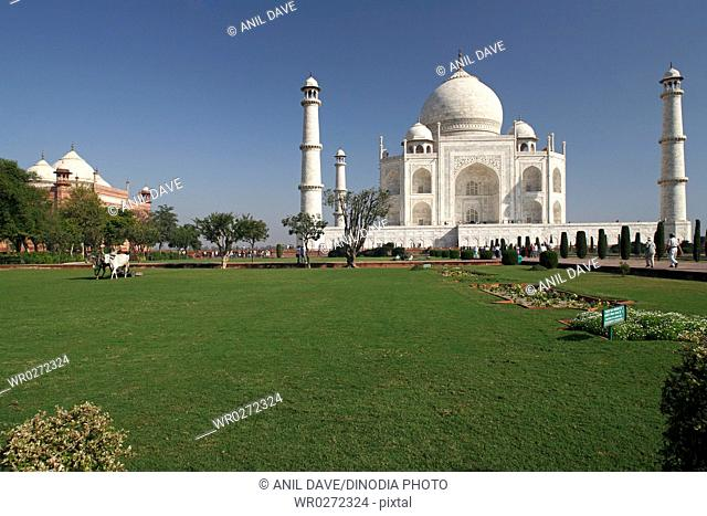 World heritage Taj Mahal , Agra , Uttar Pradesh , India