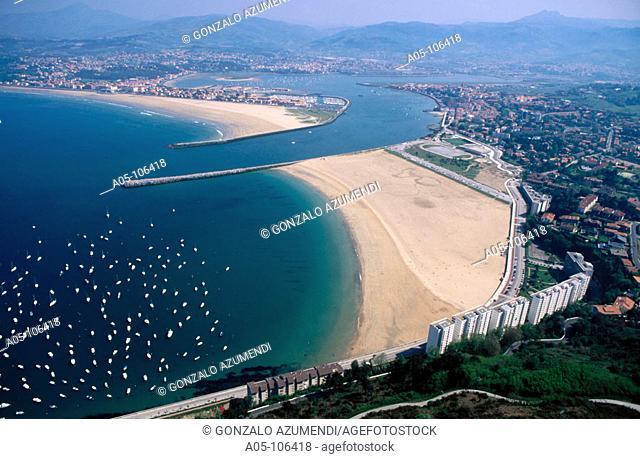 Bidasoa river. Txingudi bay. Fuenterrabia. Guipuzcoa. Euskadi. Spain