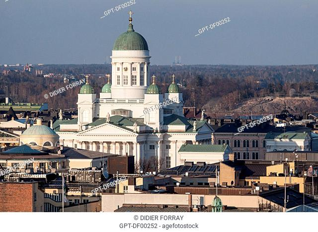 VIEW OF THE TUOMIOKIRKKO CATHEDRAL BUILT IN THE MID-19TH CENTURY IN A NEO-GOTHIC STYLE, AND ROOFS IN THE CITY CENTRE, TUOMIOKIRKKO CATHEDRAL, HELSINKI, FINLAND