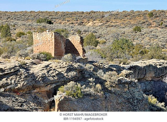 Historical construction of the Ancestral Puebloans, Rim Rock House, around 1200 AD, Little Ruin Canyon, Hovenweep National Monument, Colorado, USA