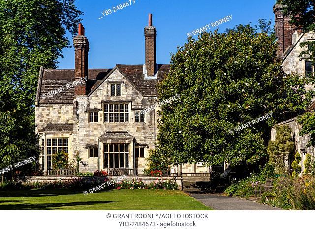 Southover Grange Gardens, Lewes, Sussex, UK