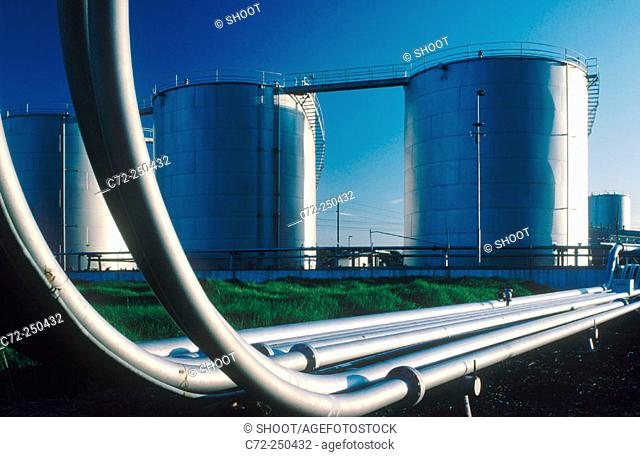 Storage tanks and pipelines
