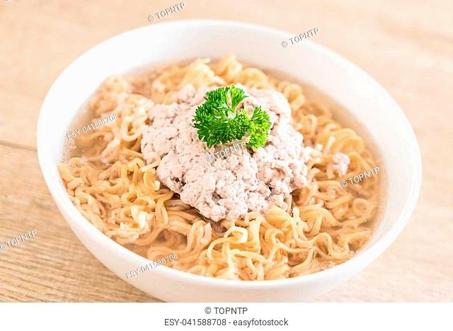 instant noodles with mince pork on the table