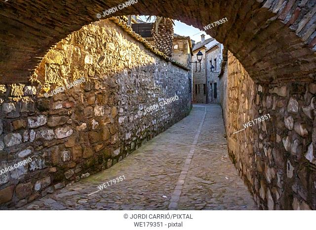 Baeza, Andalusia, Spain: Alley in the area of the Cathedral of Santa Maria