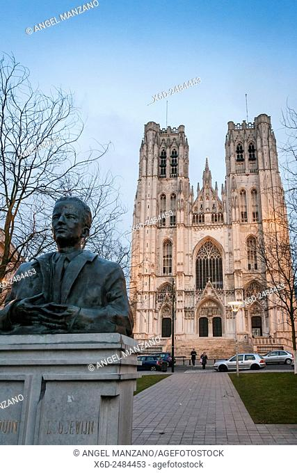 Cathedral of St. Michael and St. Gudula and King Baudouin statue, Brussels