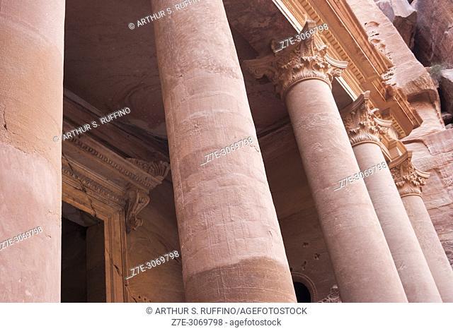 Detail of the Corinthian columns to The Treasury (Al Khazneh). Petra, UNESCO World Heritage Site, Jordan